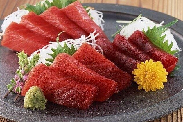 Cá ngừ sashimi